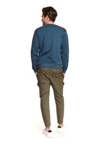 TOP SECRET - Bluza gładka z haftem. Okazja: do pracy, na co dzień. Kolor: niebieski. Materiał: materiał. Długość rękawa: długi rękaw. Długość: długie. Wzór: haft, gładki. Sezon: wiosna. Styl: klasyczny, sportowy, casual