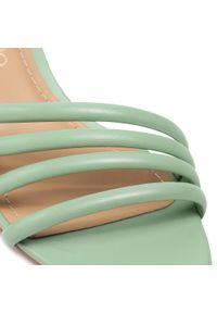 Zielone klapki Eva Longoria na obcasie, eleganckie, na średnim obcasie