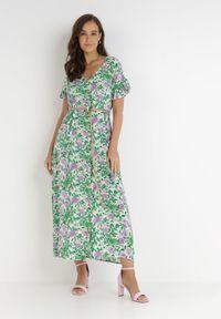 Born2be - Zielona Sukienka Conigan. Typ kołnierza: dekolt w kształcie V. Kolor: zielony. Materiał: tkanina, wiskoza. Wzór: kwiaty, aplikacja, kolorowy. Długość: mini