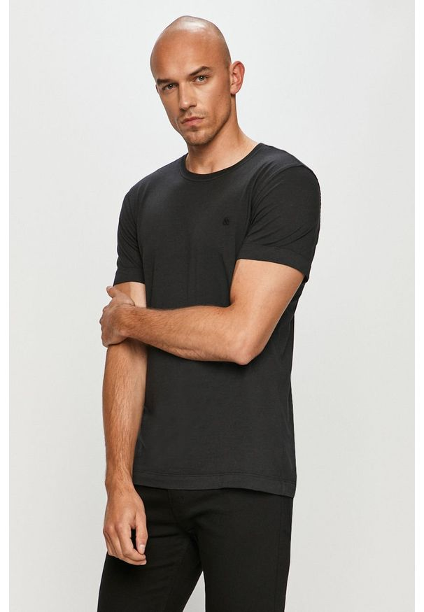 Jack & Jones - T-shirt. Okazja: na co dzień. Kolor: czarny. Materiał: dzianina, bawełna. Wzór: gładki. Styl: casual