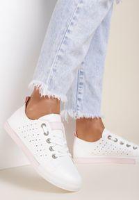 Renee - Biało-Różowe Trampki Nemoreli. Wysokość cholewki: przed kostkę. Zapięcie: sznurówki. Kolor: biały. Materiał: jeans. Szerokość cholewki: normalna. Wzór: ażurowy. Styl: klasyczny