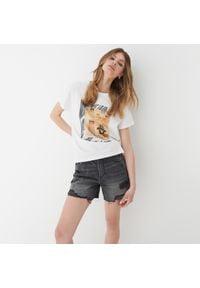 Mohito - Jeansowe spodenki - Szary. Kolor: szary. Materiał: jeans