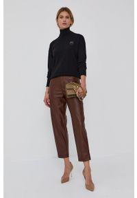 Pinko - Sweter wełniany. Okazja: na co dzień. Kolor: czarny. Materiał: wełna. Długość rękawa: długi rękaw. Długość: długie. Wzór: aplikacja. Styl: casual