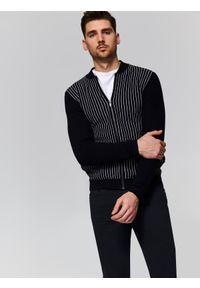 Czarny sweter TOP SECRET w prążki, z okrągłym kołnierzem, casualowy