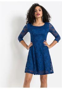 Niebieska sukienka bonprix w koronkowe wzory, na wesele