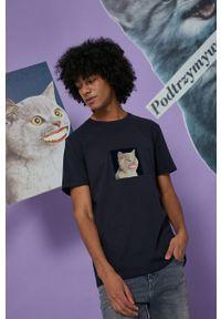 medicine - Medicine - T-shirt bawełniany Wisława Szymborska. Kolor: niebieski. Materiał: bawełna. Wzór: nadruk