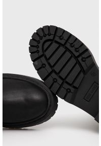 Steve Madden - Kozaki skórzane Esmee. Nosek buta: okrągły. Kolor: czarny. Materiał: skóra. Szerokość cholewki: normalna. Obcas: na obcasie. Wysokość obcasa: niski