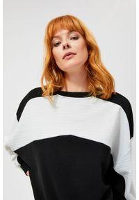 Beżowa bluza MOODO długa, z długim rękawem, bez kaptura