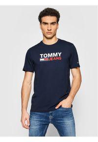 Tommy Jeans T-Shirt Tjm Crop Logo Tee DM0DM10103 Granatowy Regular Fit. Kolor: niebieski