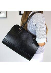 Skórzana torebka kuferek DAN-A T302. Kolor: czarny. Materiał: skórzane. Styl: elegancki