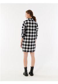 outhorn - Długa koszula w kratę damska. Okazja: na co dzień. Materiał: tkanina, bawełna. Długość rękawa: długi rękaw. Długość: długie. Styl: casual
