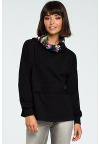 e-margeritka - Damska bluza bawełniana z kolorowym kołnierzem czarna - s/m. Kolor: czarny. Materiał: bawełna. Długość rękawa: długi rękaw. Długość: długie. Wzór: kolorowy. Sezon: jesień, zima