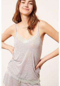 Etam - Top piżamowy WARM DAY. Kolor: szary. Materiał: dzianina, koronka