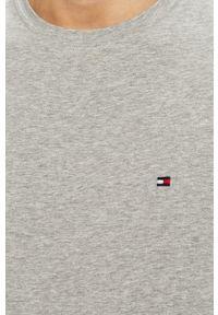 Szary t-shirt TOMMY HILFIGER casualowy, na co dzień