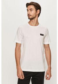Biały t-shirt EA7 Emporio Armani casualowy, z aplikacjami, na co dzień, z okrągłym kołnierzem