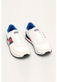 Białe sneakersy Tommy Jeans z okrągłym noskiem, z cholewką