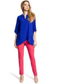 MOE - Chabrowa Bluzka Wizytowa z Dołem na Zakładkę. Kolor: niebieski. Materiał: poliester, elastan. Styl: wizytowy