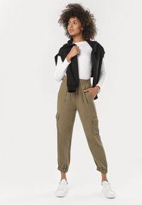 Brązowe spodnie z wysokim stanem Born2be