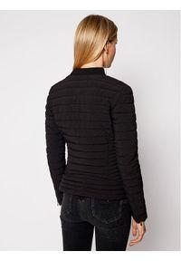 Guess Kurtka puchowa Vera W1RL52 WCOG0 Czarny Slim Fit. Kolor: czarny. Materiał: puch