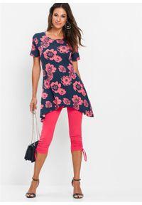 Shirt z dłuższymi bokami bonprix ciemnoróżowo-jasnoróżowy w kwiaty. Kolor: niebieski. Długość rękawa: krótki rękaw. Długość: długie. Wzór: kwiaty. Styl: elegancki