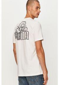 Biały t-shirt Puma na co dzień, casualowy, z okrągłym kołnierzem