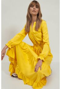 Nife - Długa żółta sukienka koszulowa z falbanką. Typ kołnierza: kołnierz z falbankami. Kolor: żółty. Materiał: materiał. Typ sukienki: koszulowe. Długość: maxi