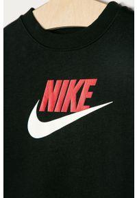 Czarna bluza Nike Kids z nadrukiem, casualowa, bez kaptura