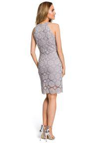 Sukienka koktajlowa MOE z dekoltem halter, w koronkowe wzory