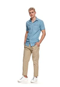 TOP SECRET - Koszula krótki rękaw męska shaped fit. Typ kołnierza: kołnierzyk klasyczny. Kolor: niebieski. Materiał: bawełna, tkanina. Długość rękawa: krótki rękaw. Długość: krótkie. Styl: klasyczny