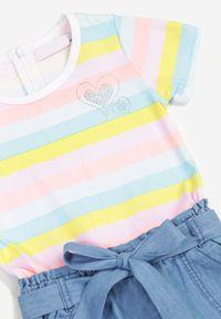 Born2be - Jasnoniebieski Kombinezon Galixine. Kolor: niebieski. Materiał: jeans, guma. Długość rękawa: krótki rękaw. Wzór: aplikacja, paski, kolorowy. Sezon: lato