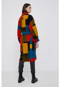 Desigual - Płaszcz wełniany. Okazja: na co dzień. Kolor: żółty. Materiał: wełna. Styl: casual