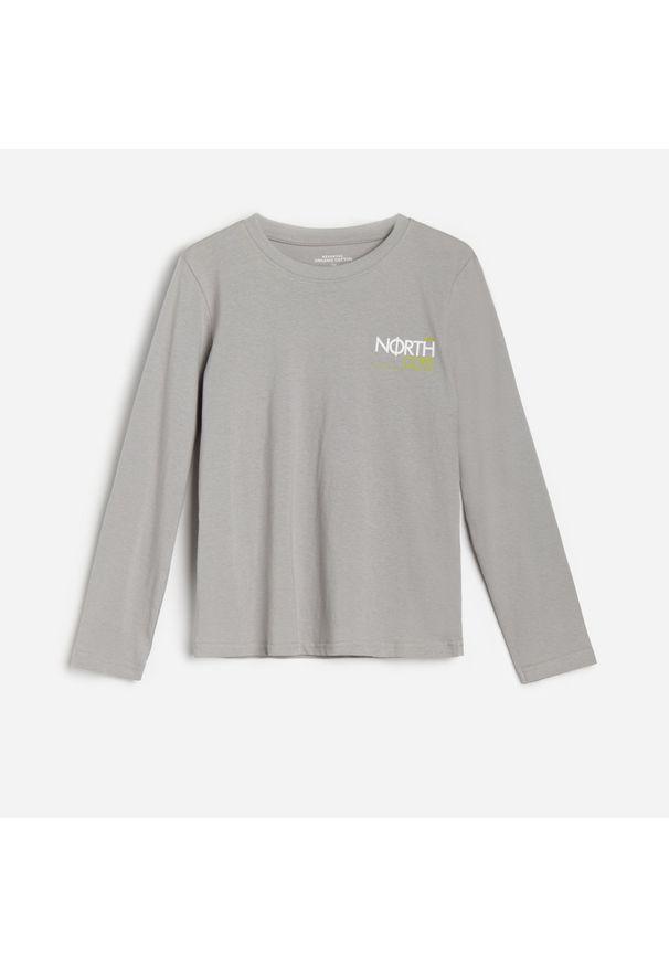 Szara koszulka z długim rękawem Reserved z nadrukiem
