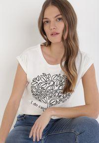 Beżowy t-shirt Born2be