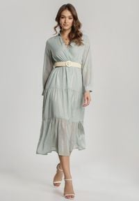 Renee - Miętowa Sukienka Driscoll. Typ kołnierza: dekolt kopertowy. Kolor: miętowy. Długość rękawa: długi rękaw. Wzór: aplikacja. Typ sukienki: kopertowe, rozkloszowane. Długość: maxi