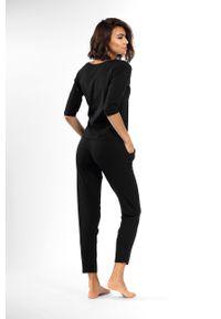 Czarna piżama Lorin z nadrukiem, długa