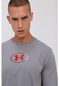 Under Armour - T-shirt. Kolor: szary. Materiał: dzianina. Wzór: nadruk