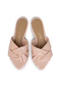 Różowe klapki Eva Longoria