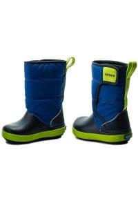 Crocs - Śniegowce CROCS - Lodgepoint Snow Boot K 204660 Blue Jean/Navy. Zapięcie: rzepy. Kolor: niebieski. Materiał: materiał. Sezon: zima