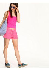 Różowy t-shirt TROLL bez rękawów, w kolorowe wzory