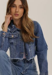 Niebieska kurtka jeansowa Renee