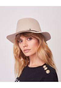 MAISON MICHEL PARIS - Beżowy kapelusz Andre. Kolor: beżowy. Materiał: materiał. Wzór: aplikacja. Sezon: jesień. Styl: klasyczny