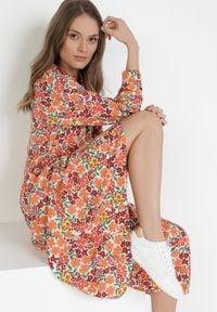 Born2be - Pomarańczowa Sukienka Pethedice. Kolor: pomarańczowy