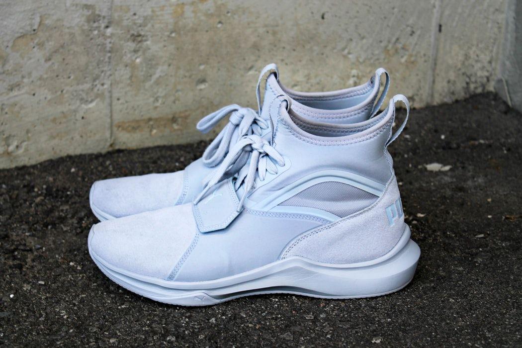 Markowe sneakersy damskie Nike, adidas, FILA, PUMA i GEOX – w czym tkwi sekret ich fenomenu?