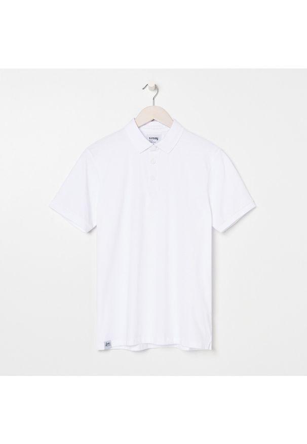Biały t-shirt Sinsay polo