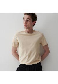 Reserved - Bawełniany t-shirt - Beżowy. Kolor: beżowy. Materiał: bawełna