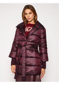 Trussardi Jeans - Trussardi Kurtka puchowa 56S00508 Bordowy Regular Fit. Kolor: czerwony. Materiał: puch