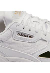 Białe półbuty Adidas z cholewką, na płaskiej podeszwie