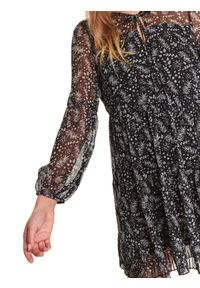 TOP SECRET - Luźna sukienka z wiązaniem. Okazja: do pracy, na co dzień. Kolor: czarny. Materiał: tiul. Wzór: nadruk. Sezon: zima. Styl: casual