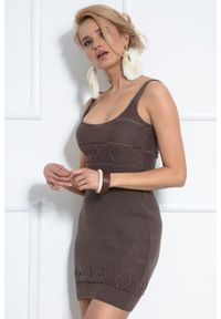 Fobya - Sukienka z Dzianiny Swetrowej na Ramiączkach - Czekoladowa. Kolor: brązowy. Materiał: dzianina. Długość rękawa: na ramiączkach
