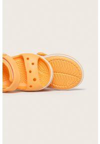 Pomarańczowe sandały Crocs na rzepy